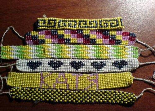 Плетение фенечек из бисера