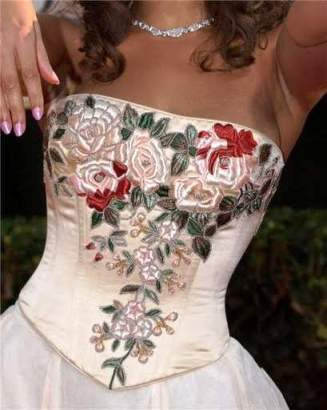 Вышивка блузки лентами 57